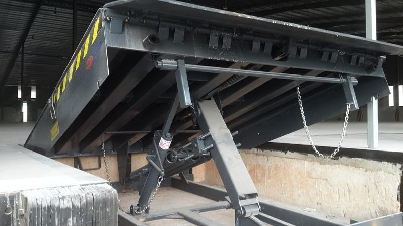 Sàn nâng cơ khí (Mechanical dock leveler)